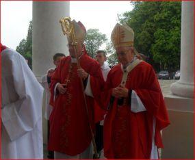 Abp St. Budzik i abp St. Gądecki w Bazylice Narodzenia NMP w Chełmie