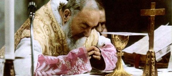 Fotografia pochodzi ze strony: http://www.antoni-kapucyni.pl/aktualnosci/weekend-z-ojcem-pio-wokol-eucharystii/