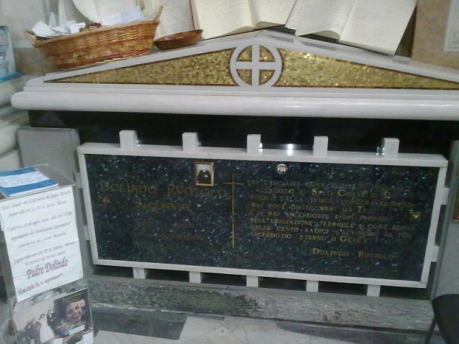 Image result for Dolindo Ruotolo tomb